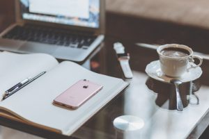How to stay organized during the job search. Job search organization tips from Sara Katherine